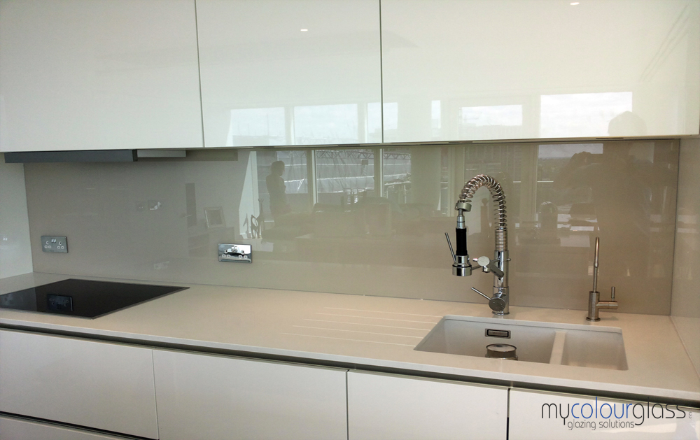 Kitchen glass splashback ideas gallery - Splashback alternatives ...