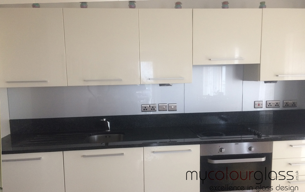 RAL9006 Metallic glass splashback