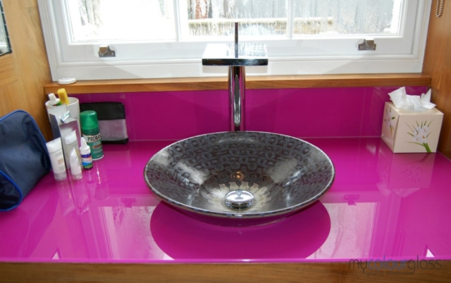 RAL4006 glass worktop and upstand
