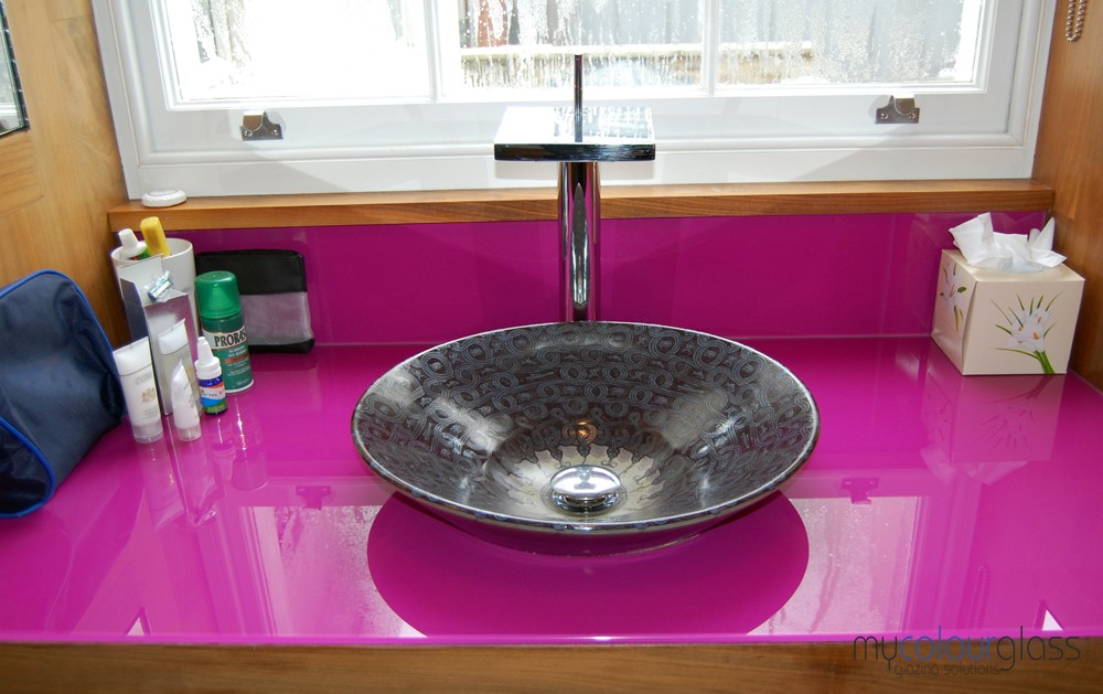 RAL4006 glass worktop and upstand