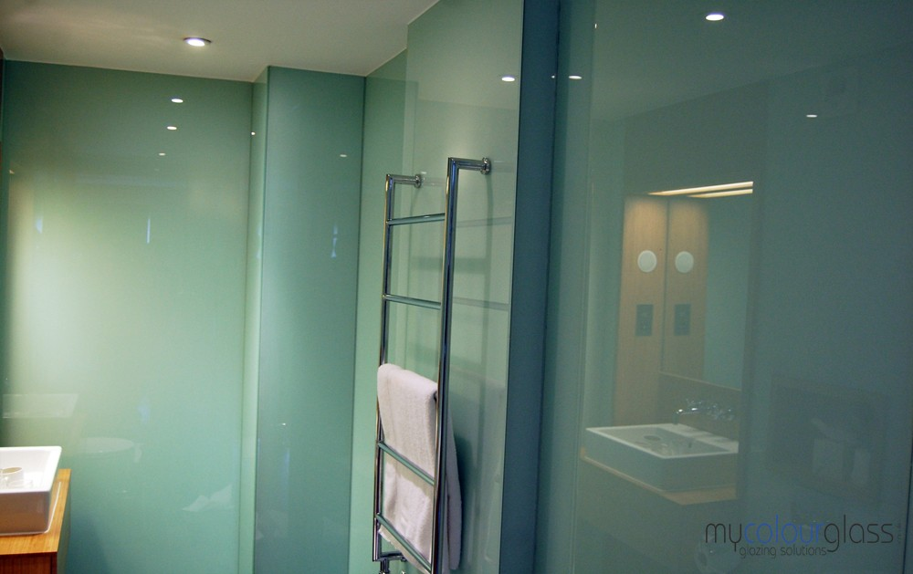 Bathroom colour ideas - Bathroom Glass Splashbacks
