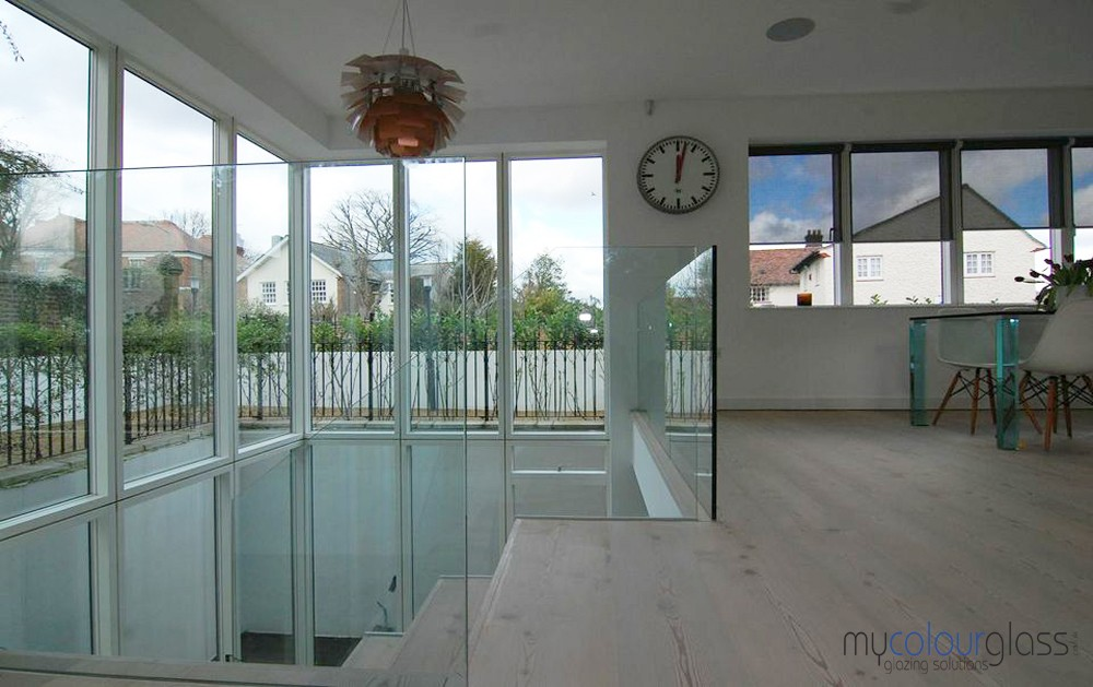 Glass balustrade with hidden base channels