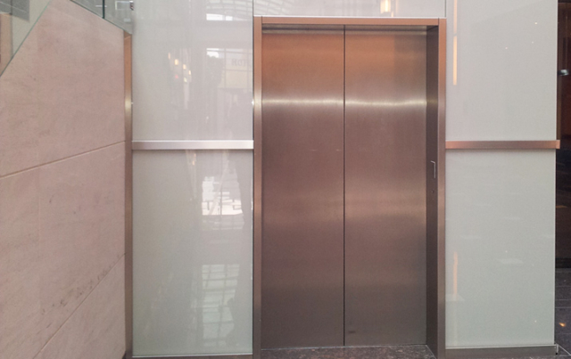 White glass lift