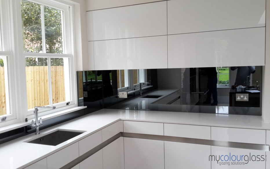 Latest Kitchen Splashbacks Trends Mycolourglass