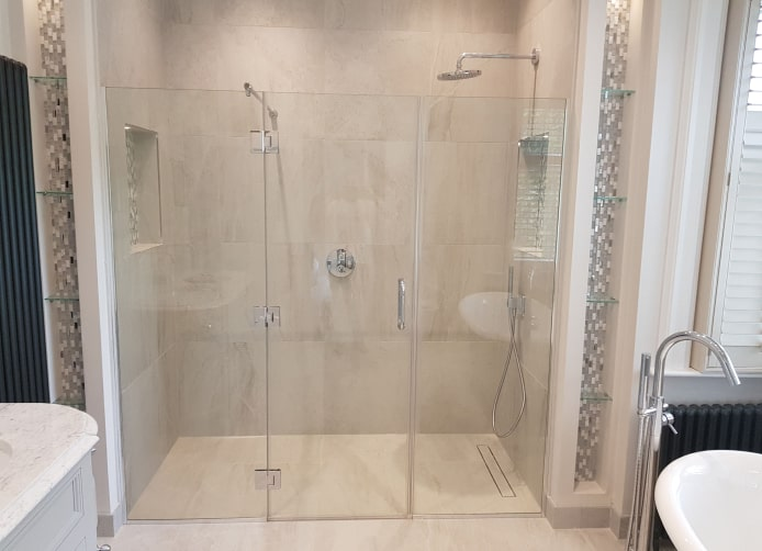 Minimalist Shower Glass Partition